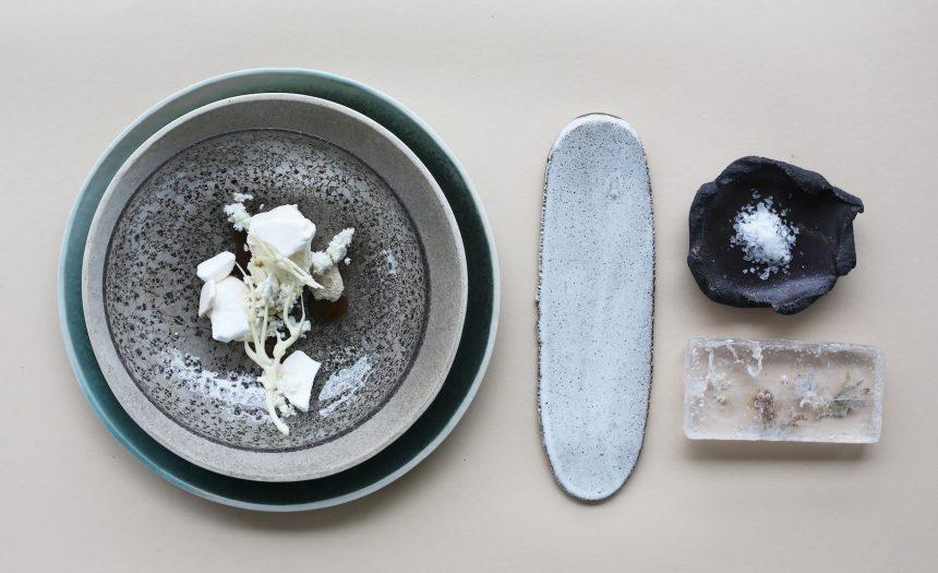 Kunsthåndværkere samarbejder med stjernekok om nyt spisestel