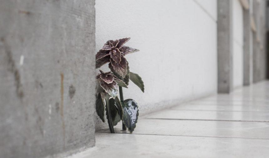 Blomstrende keramik i Bagsværd Kirke