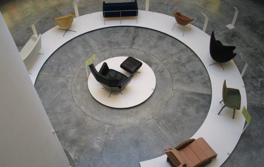 Arne Jacobsen light